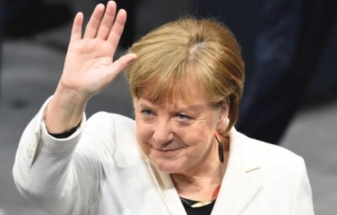 Angela Merkel recibe apoyo de Francia para dirigir la UE