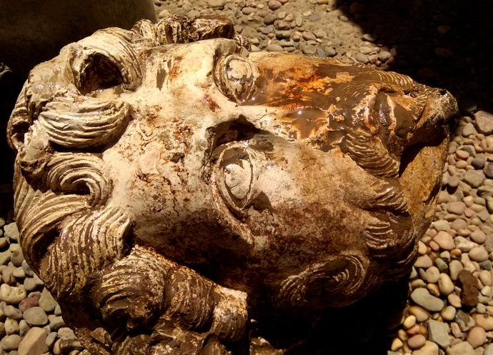 Arqueólogos descubren busto de Marco Aurelio en Egipto