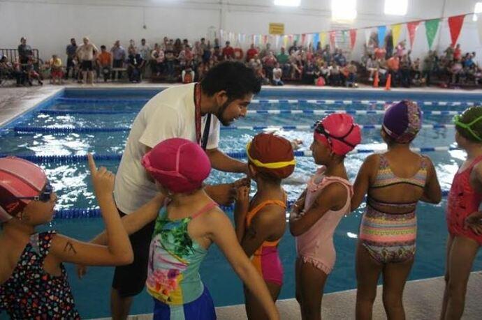 Abre UACJ clases de natación para niños en ¡fin de semana!