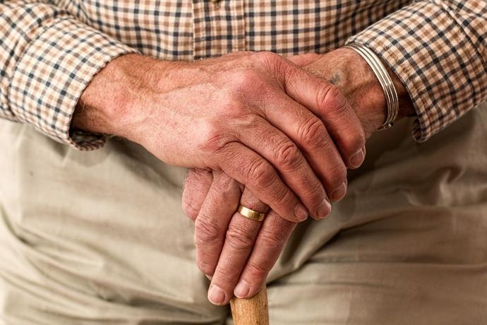Investigadores alertan sobre aumento de maltrato a adultos mayores