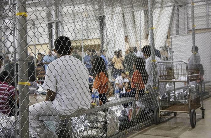 Tendría EU más de 100 mil niños migrantes detenidos