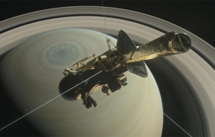 Imágenes muestran lagos y mares de Titán, luna de Saturno
