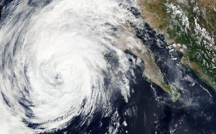 Continúa avance de Rosa en Baja California como baja presión remanente