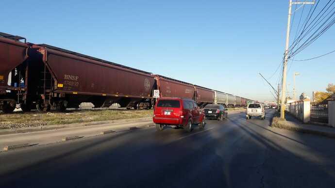 Detiene CBP a 3 migrantes escondidos en vagones de tren
