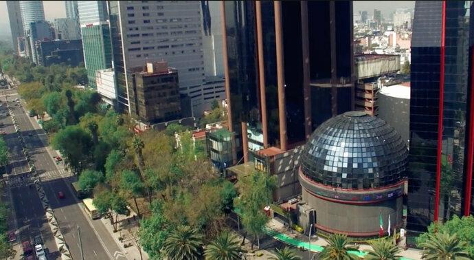 Bolsa Mexicana abre la semana con ligero avance