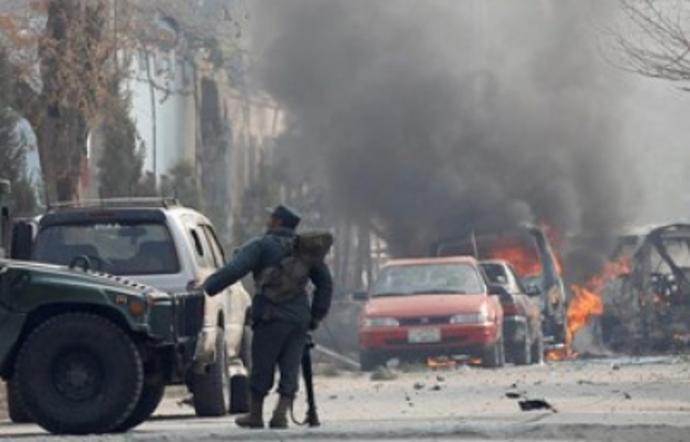 Mueren 23 soldados afganos en un ataque de infiltrados talibanes
