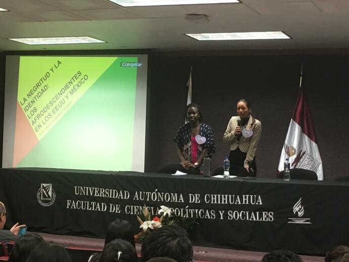 """Consulado de Estados Unidos impartió plática sobre """"Blaxicans"""""""