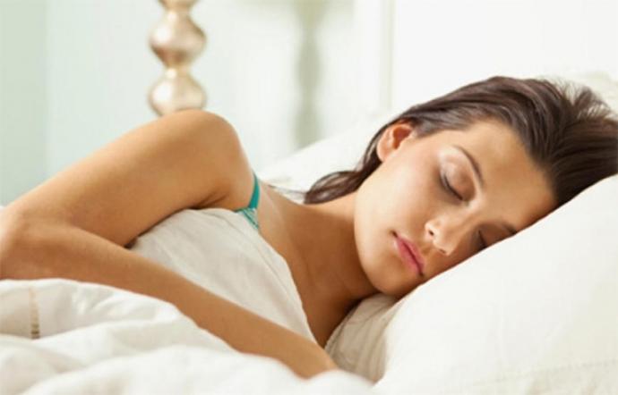 Una de cada 5 personas duerme con los ojos abiertos
