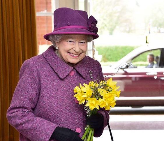 'Matan' en redes a la reina Isabel II