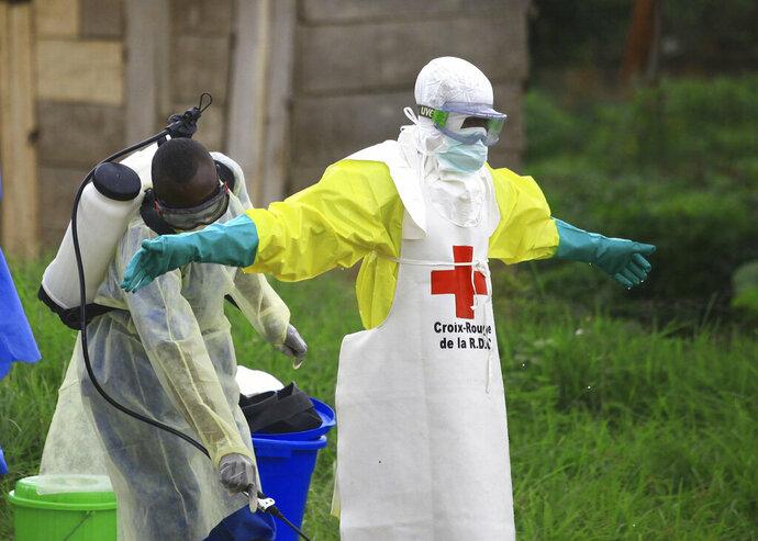 Suman mil 600 víctimas por virus del ébola