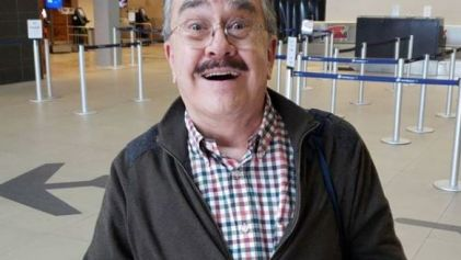 Pedro Sola se muestra en redes como Zapata Gay