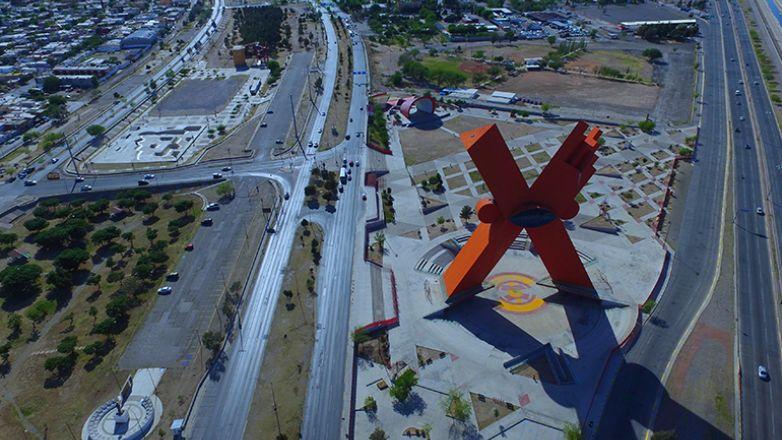 """La """"X"""", una escultura con mucha Mexicanidad"""