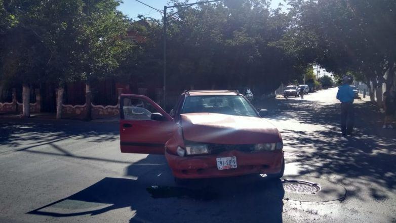Choque en la calle 5 de Mayo deja a una persona lesionada