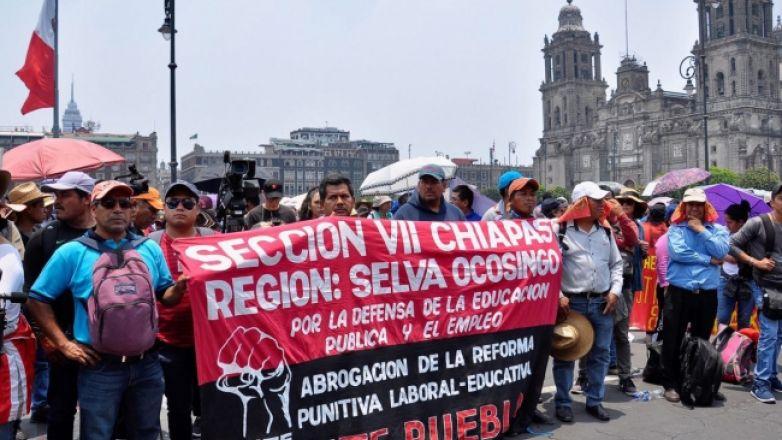 Maestros marchan y exigen la derogación total de la reforma educativa