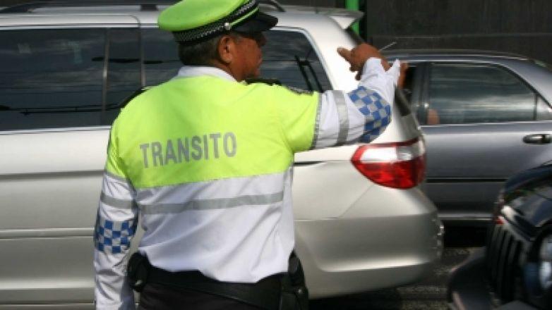 Investigan conducta de policías capitalinos