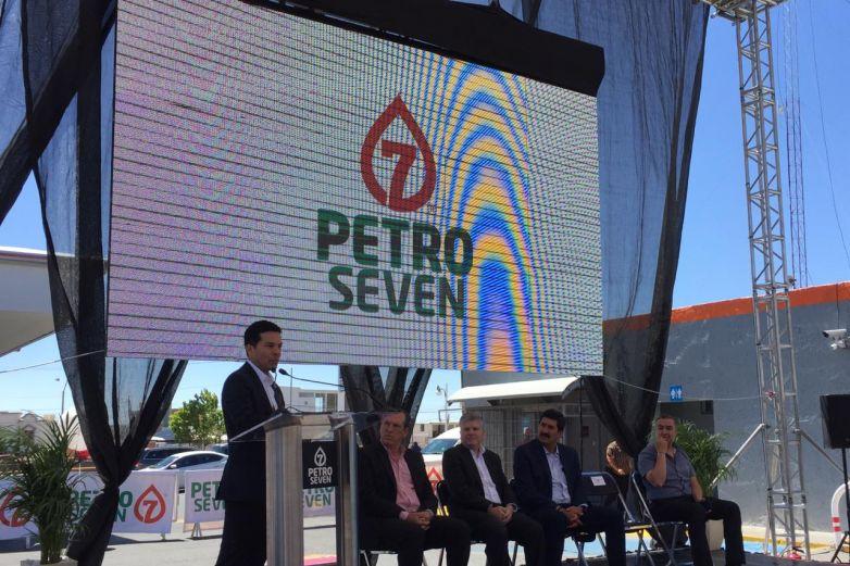 Presentan nueva imagen de Gasolineras Petro Seven