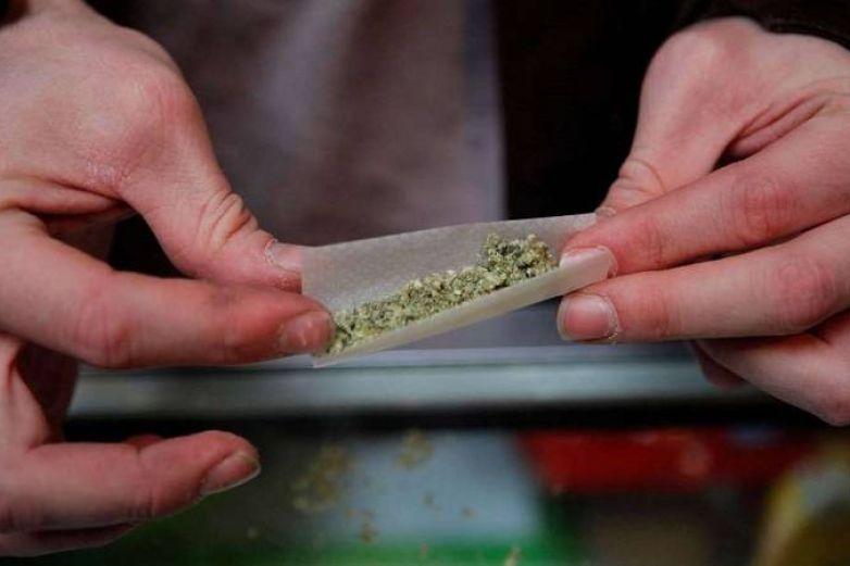 Cierran negocio de NM; regalaba a sus clientes marihuana