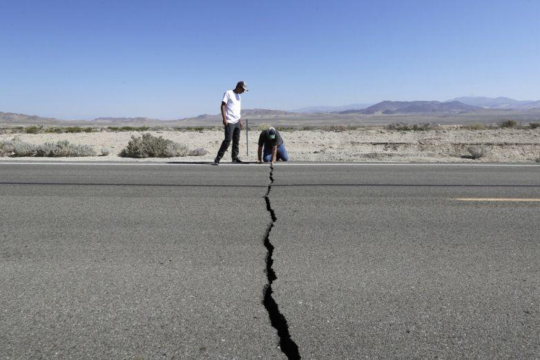 "Nuevo sismo ""golpea"" California"