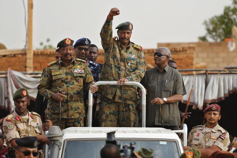 Junta militar de Sudán dice que frustró intento de golpe