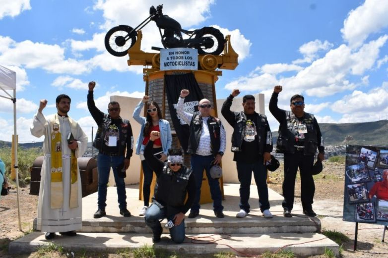 Rinden homenaje a motociclistas caídos