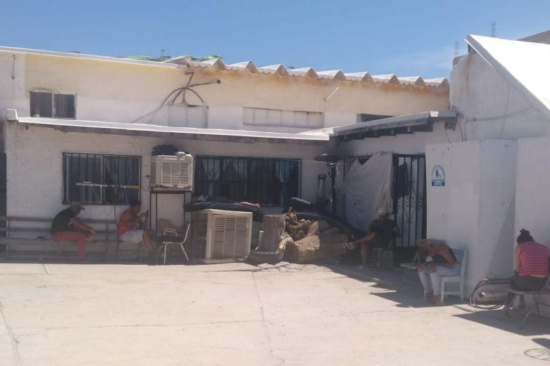 Esperan migrantes autorización para trabajar en Juárez