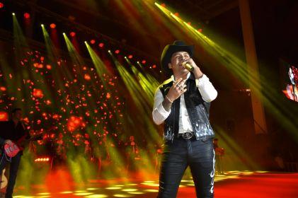 'Rematan' boletos para Christian Nodal en Juárez
