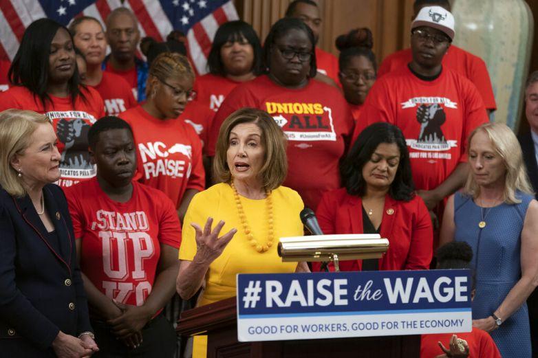 Buscan que salario mínimo en EU sea de 15 dólares
