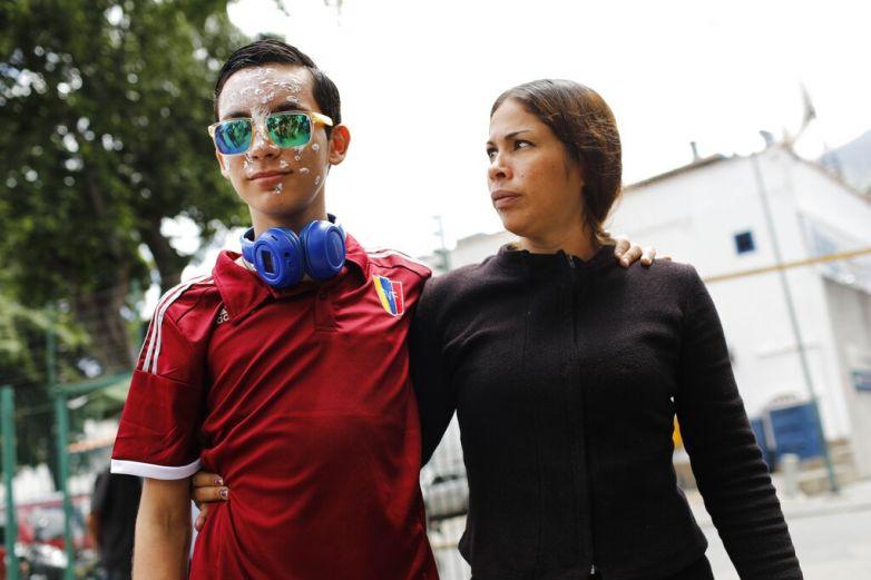 Manifestante que quedó ciego aún quiere estudiar