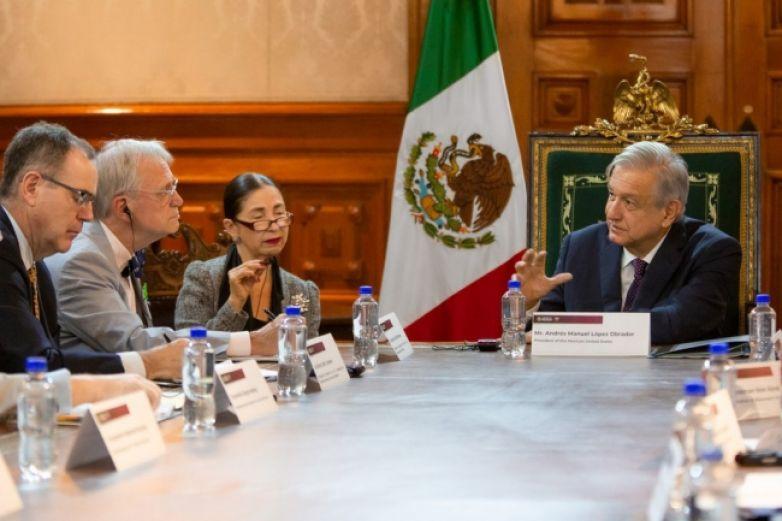 López Obrador dialoga con legisladores de EU