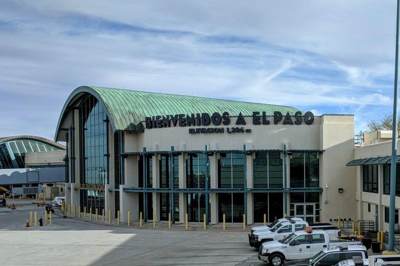 Hombre armado desata pánico en Aeropuerto de El Paso