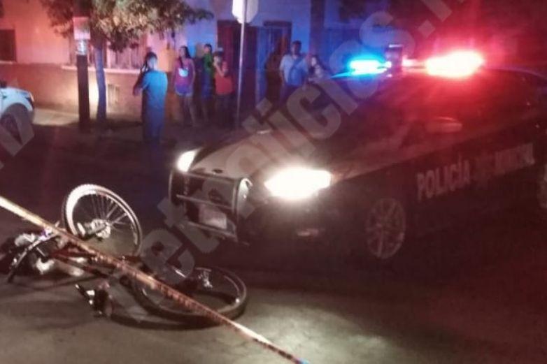 Ciclista ebrio se estrella con patrulla