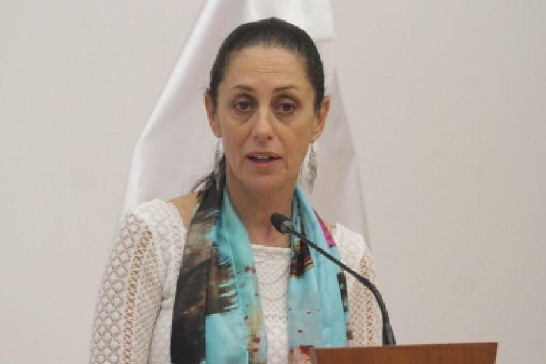 Pide Sheinbaum investigar acoso en redes contra mujeres