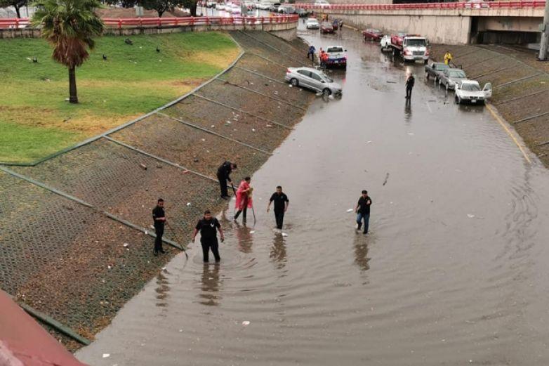 Suman 17 rescates de personas tras crecida de río en Jalisco