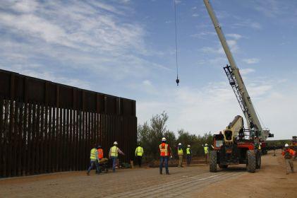 Juez bloquea propuesta de Trump para financiar muro con recursos  militares