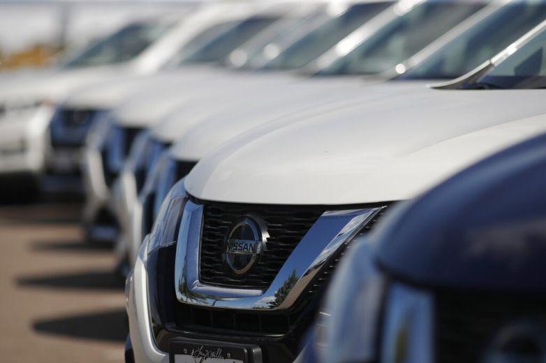 Venta de autos cae por cuarto mes seguido