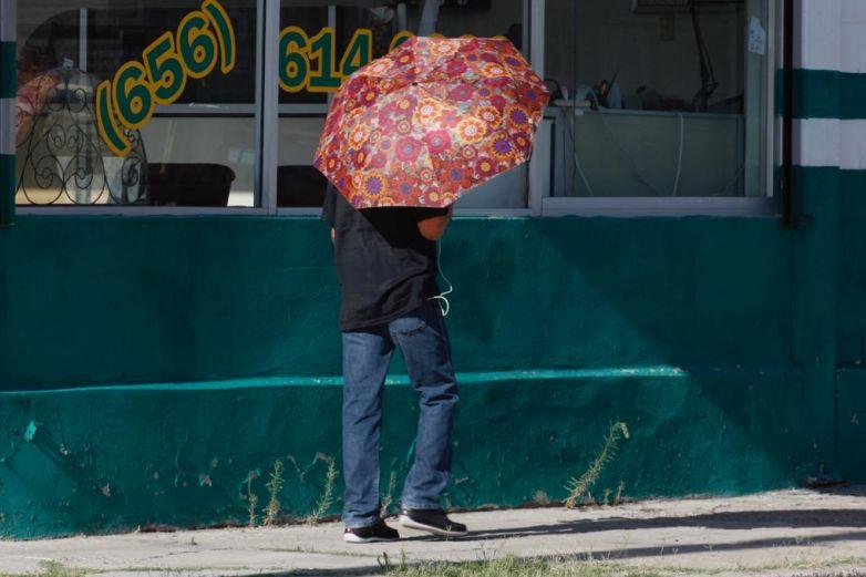 Termómetro alcanza 34 grados en Juárez