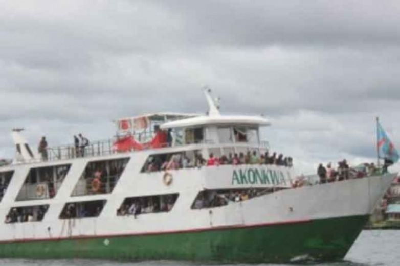Deja 36 muerto hundimiento de barco en río del Congo