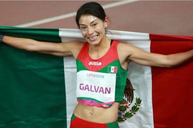 Asaltan a medallista Laura Galván; le roban 38 mil pesos