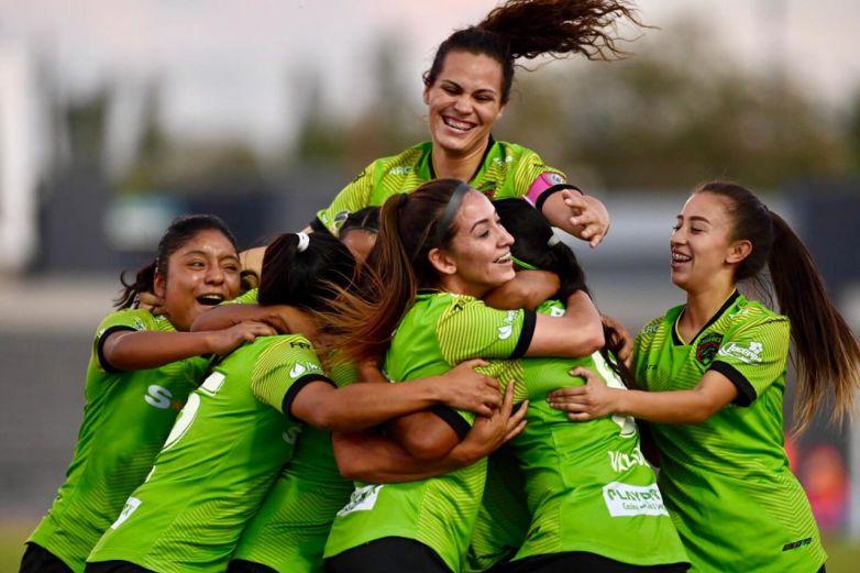 Logran 'Bravitas' histórico resultado y primer gol en casa