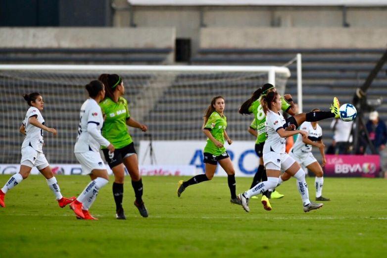 Bravitas gana al medio tiempo 1 – 0 a Pumas