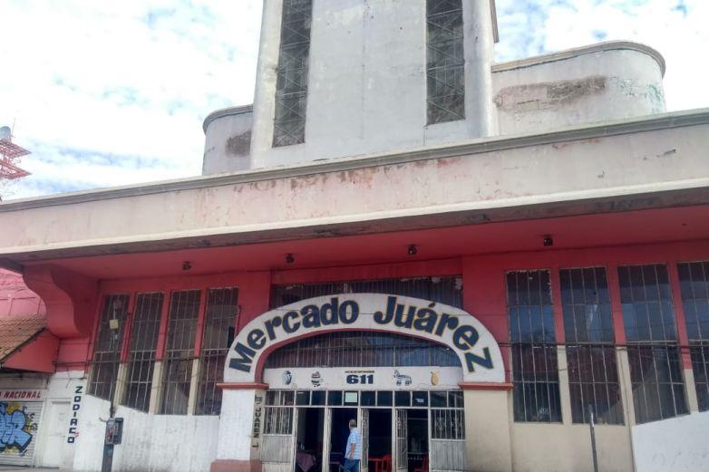 Lucha Mercado Juárez por seguir de pie