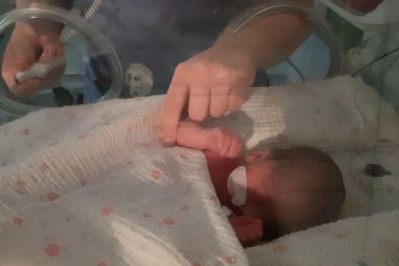 Mujer con sólo un pulmón y mayor de 70 años da a luz por primera vez
