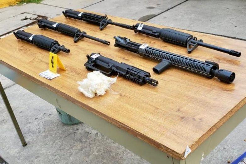 Arresta México a menor de EU con armas y 7 milcartuchos
