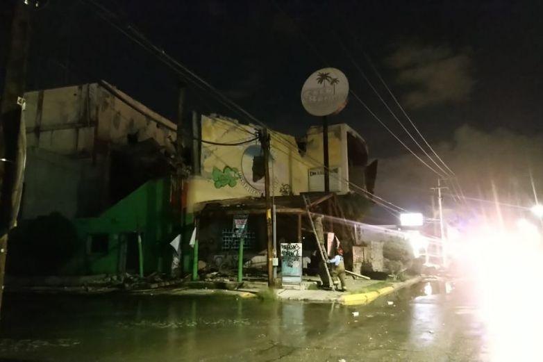Lluvias derrumban el 'Coco Bongo'