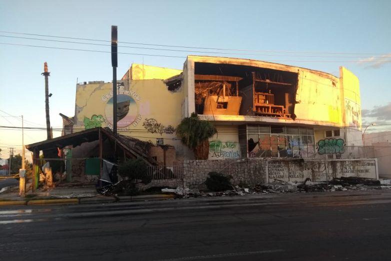 Demolerán edificio de Coco Bongo