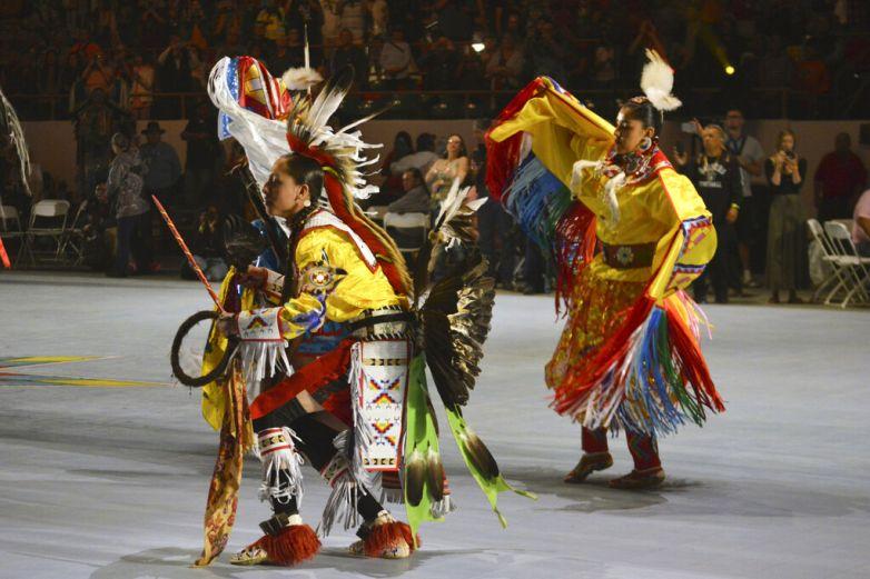 Varios estados de EU celebran a indígenas en Día de a Colón