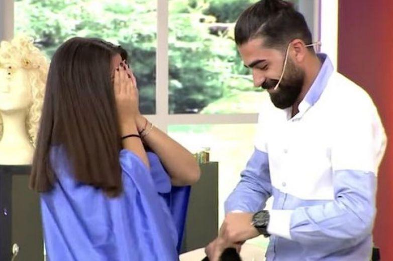 Se desmaya en programa en vivo por corte de cabello