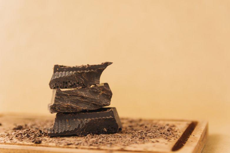Comer chocolate una vez por semana reduce riesgo de enfermedades cardíacas