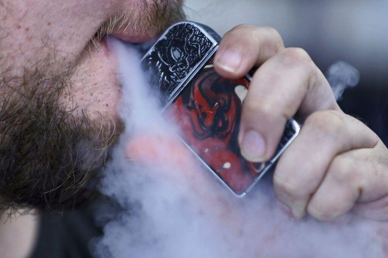 Investigadores sugieren evitar uso de cigarros electrónicos