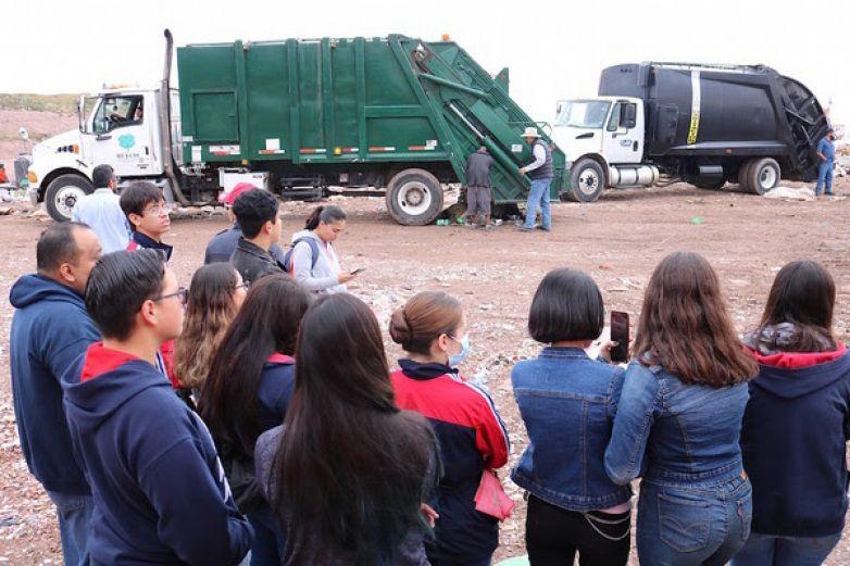 Muestran a estudiantes manejo de la basura en Relleno Sanitario